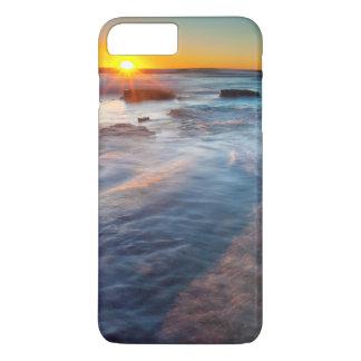 Coque iPhone 8 Plus/7 Plus Les rayons de Sun illuminent l'océan pacifique