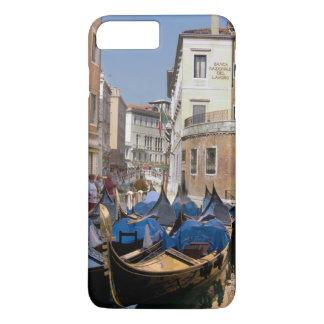 Coque iPhone 8 Plus/7 Plus L'Italie, Venise, gondoles a amarré le long du