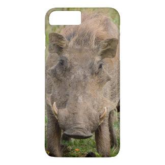 Coque iPhone 8 Plus/7 Plus Trois porcelets de Warthog allaitent sur leur mère