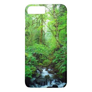 Coque iPhone 8 Plus/7 Plus Un courant dans une forêt de peuplement vieux