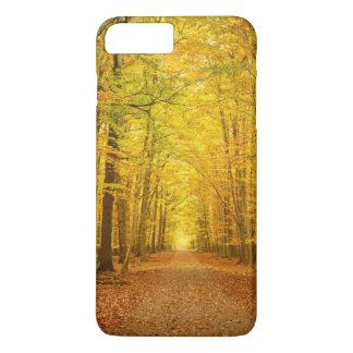 Coque iPhone 8 Plus/7 Plus Voie dans la forêt d'automne