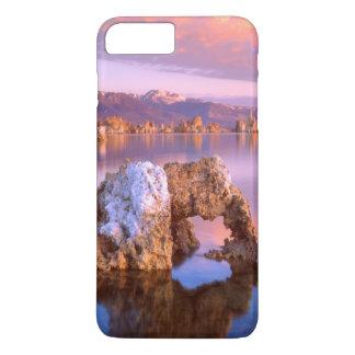 Coque iPhone 8 Plus/7 Plus Voûte de tuf au lac mono