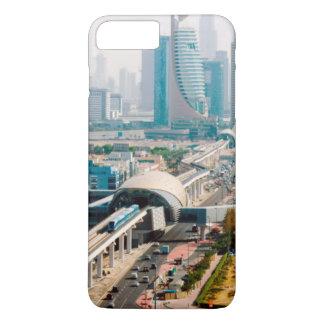 Coque iPhone 8 Plus/7 Plus Vue de ligne et de gratte-ciel de métro de ville