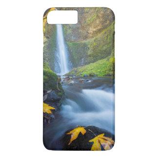 Coque iPhone 8 Plus/7 Plus Vue verticale de panorama des automnes de tunnel