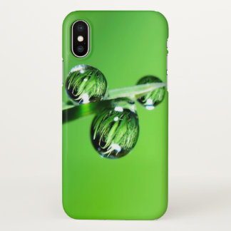 Coque iPhone X Baisses de l'eau sur la couverture verte d'iphone