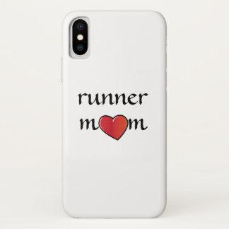 Coque iPhone X Conception rouge de coeur de maman de coureur