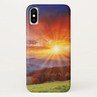 Coque iPhone X Lever de soleil majestueux dans le paysage de