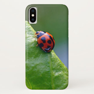 Coque iPhone X Madame dans le jardin