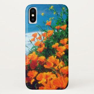 Coque iPhone X Pavots le long de la Côte Pacifique près de grand