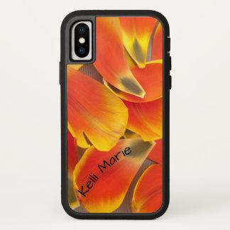Coque iPhone X Photographie orange vibrante de pétales de tulipe