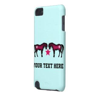 Coque iPod Touch 5G Chevaux roses mignons sur le bleu