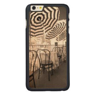 Coque Mince En Érable iPhone 6 Plus Balcon étrange de restaurant, Italie