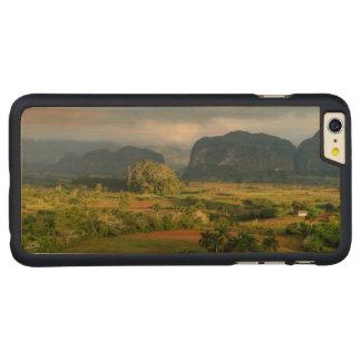 Coque Mince En Érable iPhone 6 Plus Paysage panoramique de vallée, Cuba