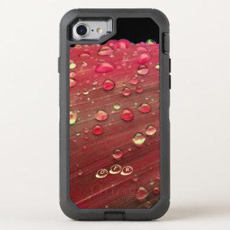 Coque OtterBox Defender iPhone 8/7 Plan rapproché de gouttes de pluie, rouge de