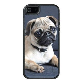 Coque OtterBox iPhone 5, 5s Et SE Chiot sur le divan Lounging