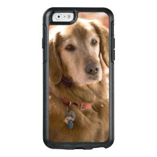 Coque OtterBox iPhone 6/6s Fermez-vous du chien d'or de labrador retriever