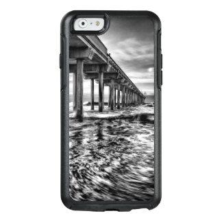 Coque OtterBox iPhone 6/6s Pilier de B&W à l'aube, la Californie