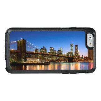 Coque OtterBox iPhone 6/6s Pont de Manhattan et de Brooklyn au crépuscule