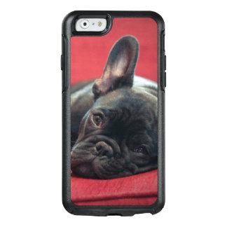 Coque OtterBox iPhone 6/6s Un jeune bouledogue français se trouvant sur un