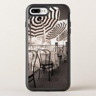 Coque OtterBox Symmetry iPhone 8 Plus/7 Plus Balcon étrange de restaurant, Italie