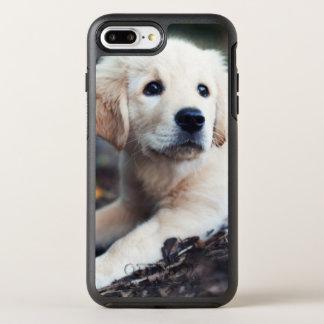 Coque OtterBox Symmetry iPhone 8 Plus/7 Plus Chiot de Labrador jouant dans le jardin