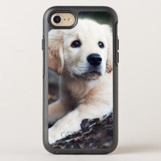 Coque Otterbox Symmetry Pour iPhone 7 Chiot de Labrador jouant dans le jardin