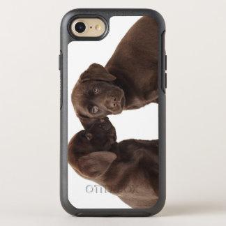 Coque Otterbox Symmetry Pour iPhone 7 Deux chiots de labrador retriever de chocolat