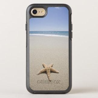 Coque Otterbox Symmetry Pour iPhone 7 Étoiles de mer sur la plage par l'Océan Atlantique