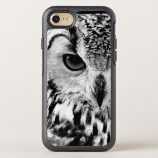 Coque Otterbox Symmetry Pour iPhone 7 Fermez-vous vers le haut du portrait du
