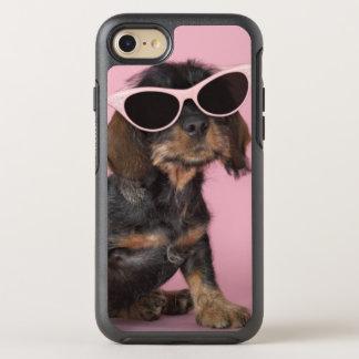 Coque Otterbox Symmetry Pour iPhone 7 Lunettes de soleil de port de chiot de teckel