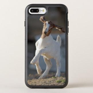 Coque Otterbox Symmetry Pour iPhone 7 Plus Chèvre d'enfant jouant en terre