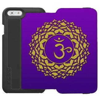 Coque-portefeuille iPhone 6 Incipio Watson™ Art d'or pourpre de Chakra de couronne