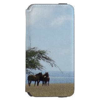 Coque-portefeuille iPhone 6 Incipio Watson™ Plage tropicale avec des chevaux passant en revue