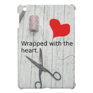 """Coque Pour iPad Mini """"Enveloppé avec le cadeau du coeur"""" et la"""