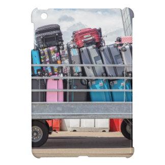 Coque Pour iPad Mini Remorque sur l'aéroport rempli de suitcases.JPG