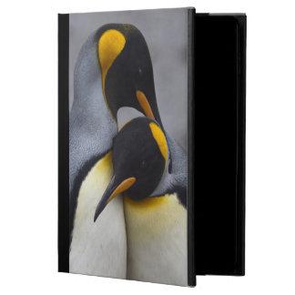 Coque Powis iPad Air 2 Le Roi pingouins en air d'iPad d'amour enferment