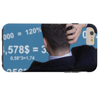 Coque Tough iPhone 6 Plus Portrait arrière d'un homme d'affaires confus avec