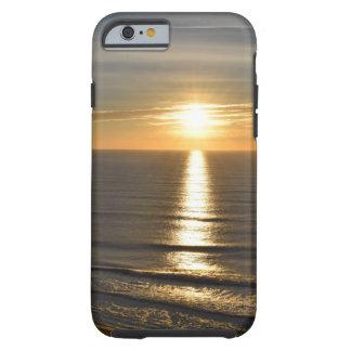 Coque Tough iPhone 6 Vagues de détente apaisantes de plage de coucher