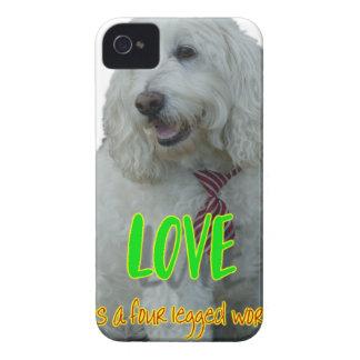 Coques Case-Mate iPhone 4 L'amour est un mot quatre à jambes