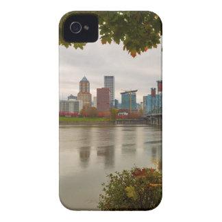 Coques iPhone 4 Case-Mate Horizon de Portland OU de ville encadré par le