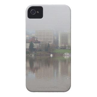 Coques iPhone 4 Case-Mate Jour brumeux le long de Portland OU de panorama de