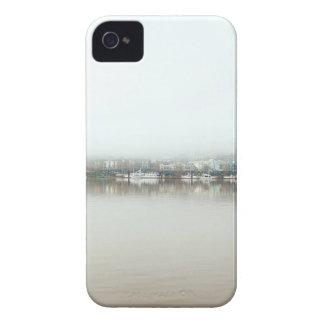 Coques iPhone 4 Case-Mate Jour brumeux sur Portland OU bord de mer du centre