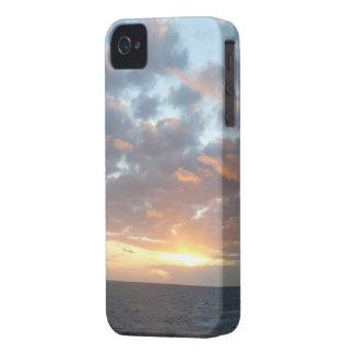 Coques iPhone 4 Case-Mate Lever de soleil au paysage marin de pastel de la