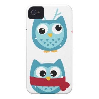 Coques iPhone 4 Hiboux merveilleux bleus sur le blanc