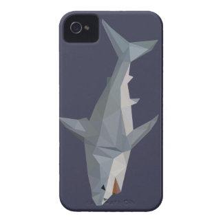 Coques iPhone 4 Requin féroce, dessin géométrique