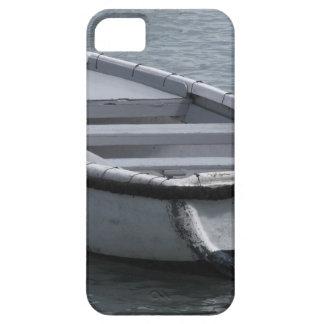 Coques iPhone 5 Case-Mate Bateau d'aviron en bois simple sur la mer
