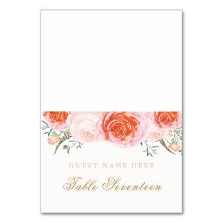 Corail romantique et cartes roses d'escorte