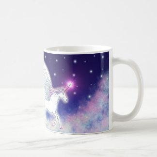 Corne une ailée avec des étoiles mug