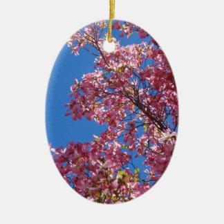 Cornouiller rose et ciel bleu ornement ovale en céramique