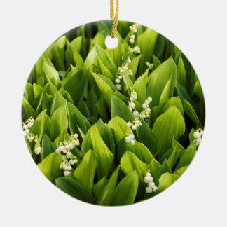 Correction de fleur du muguet ornement rond en céramique
